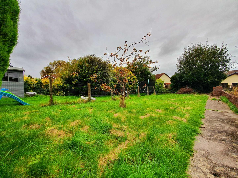 Borough Road, Loughor, Swansea, SA4 6RT